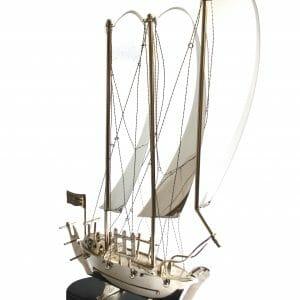 Vintage-Design Silber Segelboot für Dekoration (78 cm)